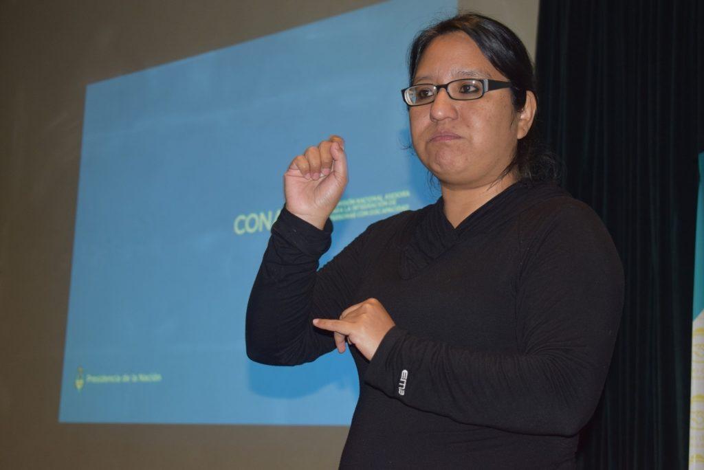 Los traductores de señas están presentes en las diferentes actividades del Ministerio de Salud